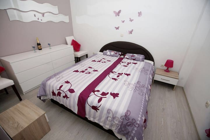 Tia Room - Zadar - Appartement