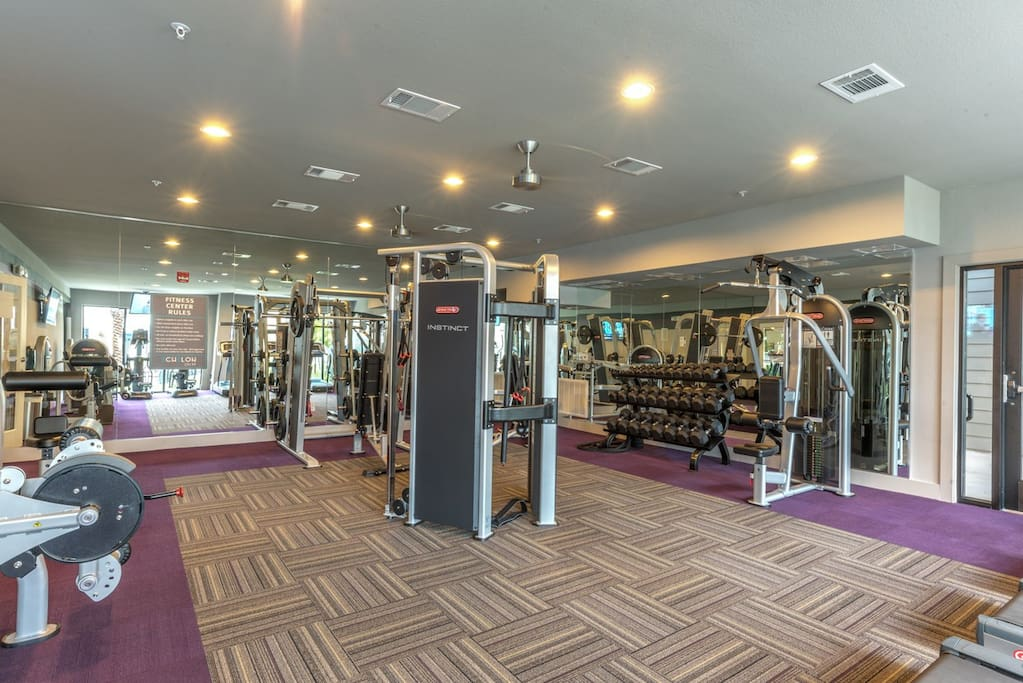 Weights-cardio-machines-and-station