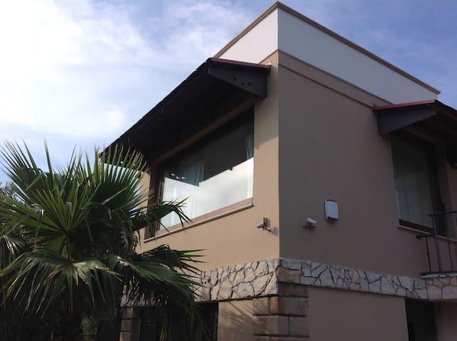Villa tra terra e mare nel Salento/T.San Giovanni - Ugento - Villa