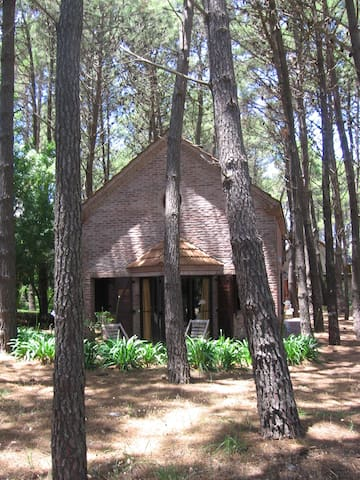 Cozy cottage for 6, 180 m / beach - Mar de las Pampas - Cabin