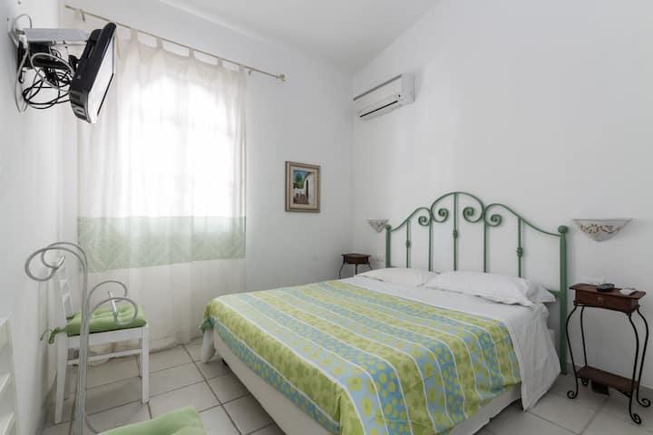 Sardinia green Room bed & beach walking distance