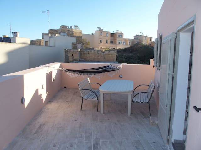 Nice townhouse in Qala - MT - Apartment
