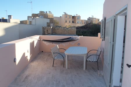 Nice townhouse in Qala - Apartamento