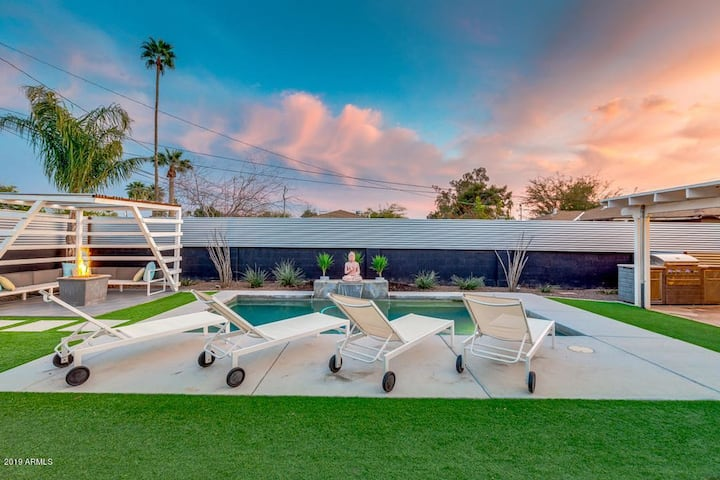 ~ Relaxing Retreat - Heated Pool - Modern Luxury ~