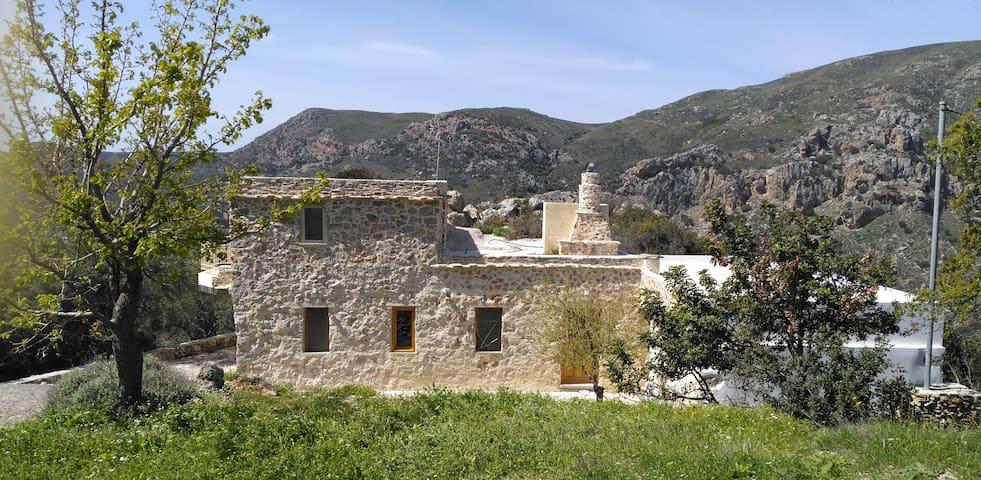 Stone-built Villa - Chania - Villa