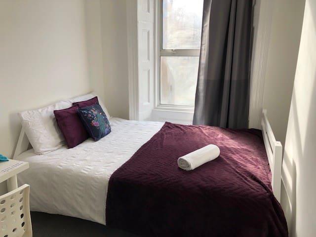 Cosy Double Bedroom In Kings Cross Grays Inn Road