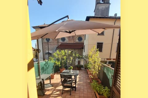 Two-Room COZY Apartment & Large Terrace near Milan