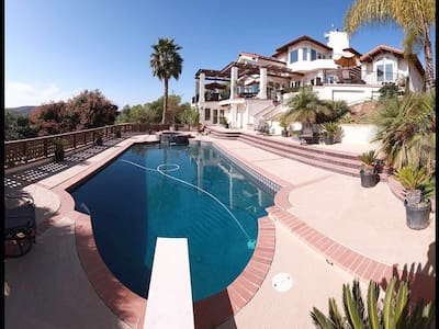 Ranch By The Sea 12 bedrooms & 8 bathrooms - Escondido - Huis
