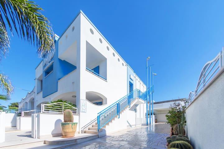 Holidays Dream B&B Vista Mare 5 - Marina di Novaglie - Bed & Breakfast