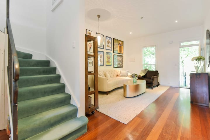 New York inspired Townhouse - Hawthorn East - Townhouse