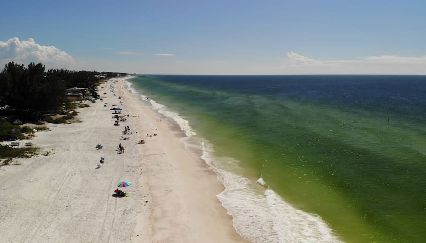 The beach just 25 steps away! Take some time and review the photos of Unit 1. We hope to host your stay on Anna Maria Island.