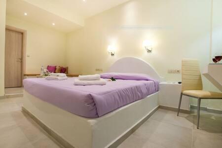 Sea & Sun Villa (Superior Room) - Kamari