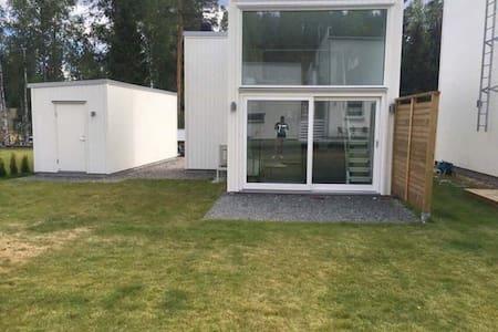 Small house 33m2 - Huddinge - House