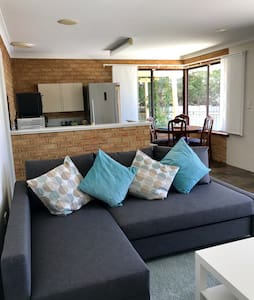 Spacious self contained 1 Bedroom apartment - Edgewater - Apartment - 2