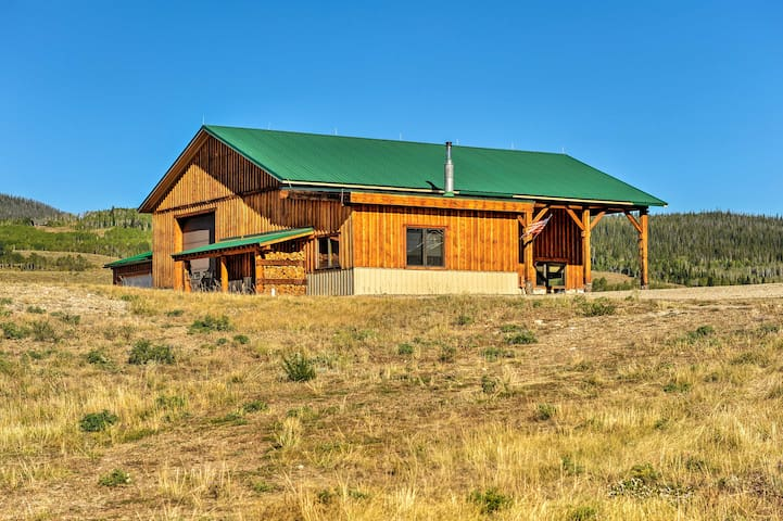 Cozy Cora Studio w/Mountain Views - Near Pinedale!