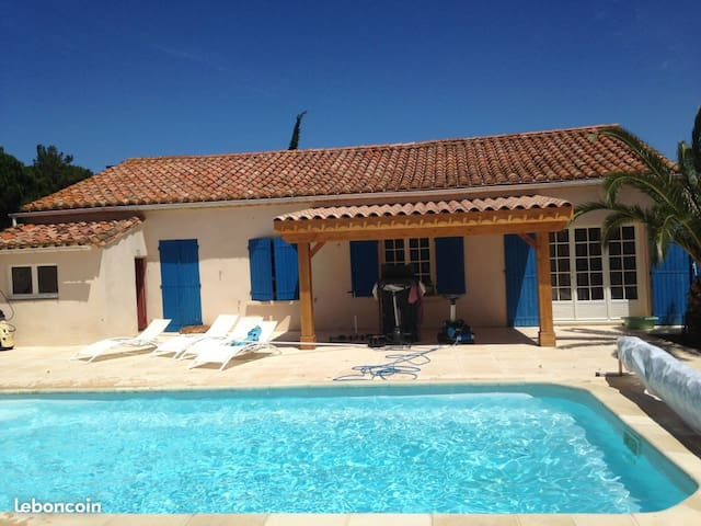 "Home with swimming pool - View on the ""Corbières"""