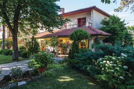 Charming apartment with beautiful garden