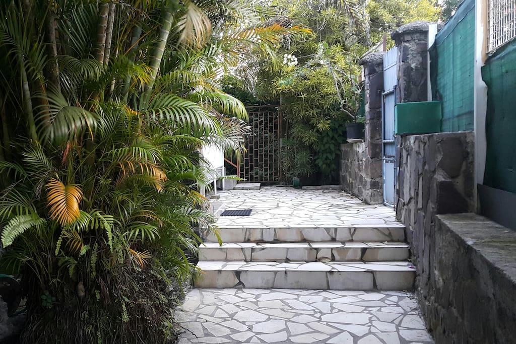 L'entrée vers l'escalier privatif.