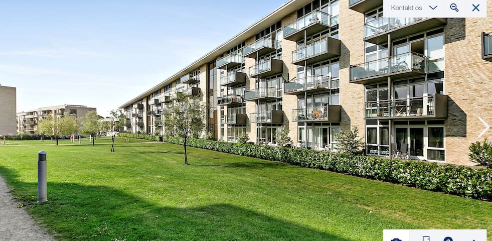 Modern apartment near to S-train shopping & nature - Kongens Lyngby - Flat