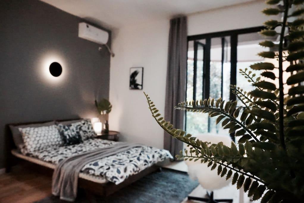 北欧风极简单间卧室