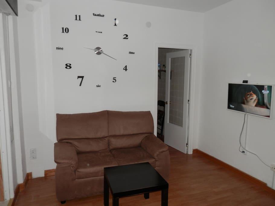 Dormitorio-Salón. Living & bed room.