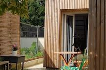 """Vue de """"La Petite Maison"""" depuis le jardin privatif"""