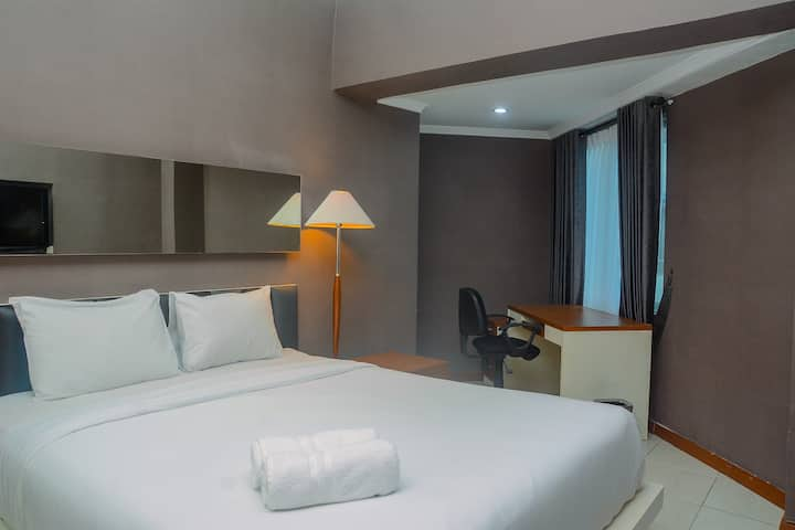 Great Location and Spacious Sudirman Park 2BR Apt