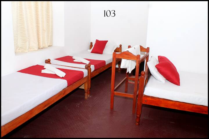 Comfort room in Jaffna for 4 pax