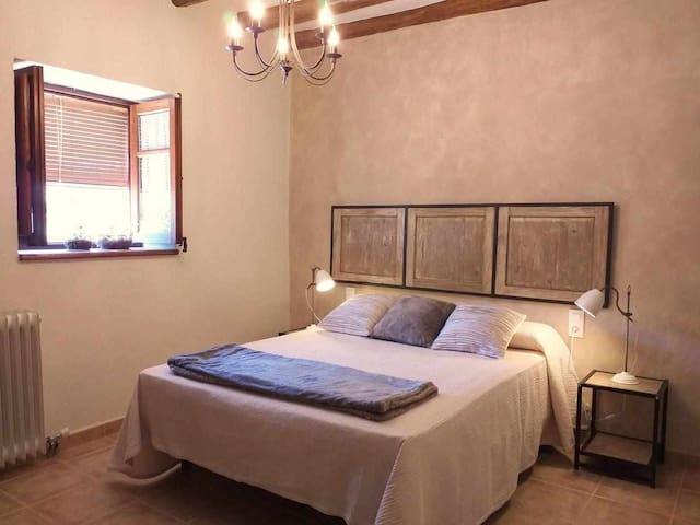 Farm House  Esclopets - self- catering accommodation