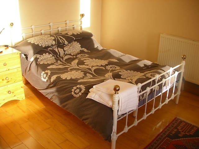 Sunny Room Close to Plymouth Uni City Centre - Plymouth - Dům