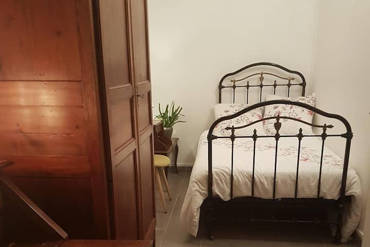 Chambre dans appartement bien équipé - Gratte Ciel