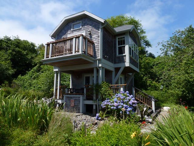 Audubon Cottage on SW WA coast