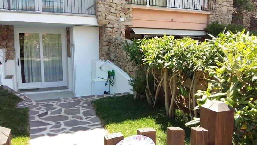 Gaia House - Lovely Flat in Porto Rotondo