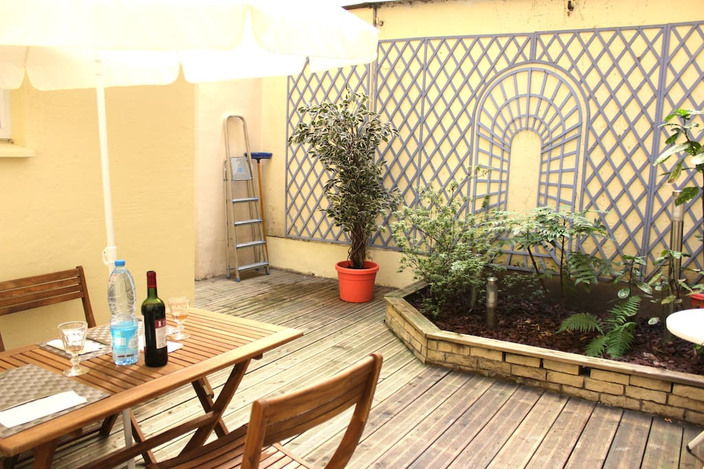 Cosy and modern 1 bedroom terrasse in neuilly flats for Terrasse neuilly sur seine