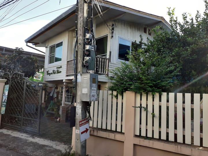 古城周六夜市泰式花园小别墅-Thongsakul House2
