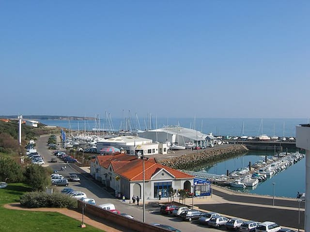 3 bed apt with stunning sea views - Talmont-Saint-Hilaire - Leilighet