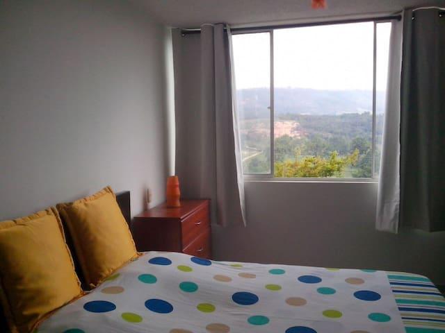 Habitación cómoda/Comfortable room - Floridablanca - Leilighet