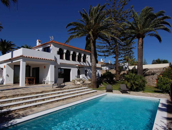 Casa Miratlantico - Stunning Andalusian-style villa with patio, private pool and sea views