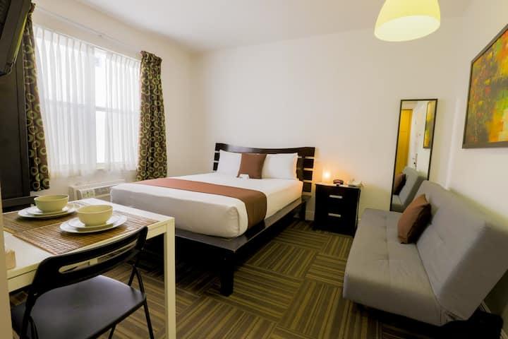 Ocean Reef Suites, Studio 1 Queen Bed and Sofa Bed