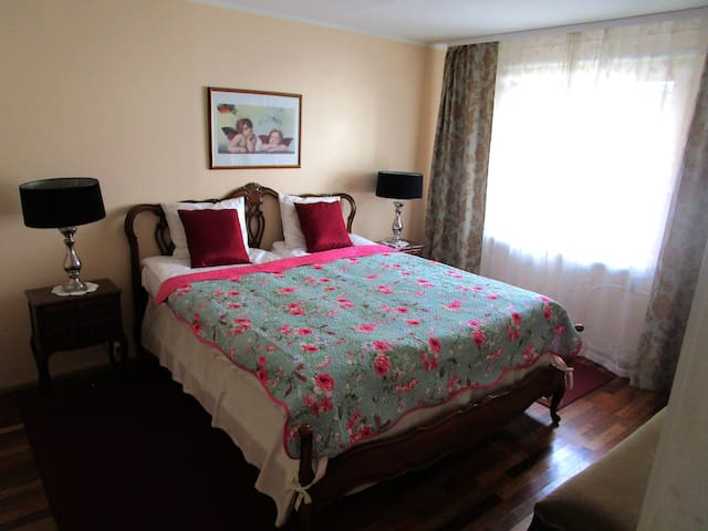 Private Bedroom 1 (double bed)