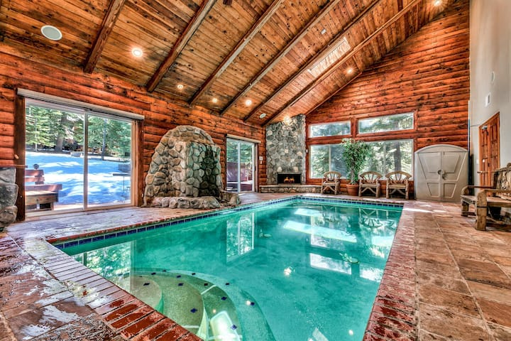 South Lake Tahoe Castle - Indoor Pool, Billiards, Spa, Steam Rm, Dry Sauna, Fun!
