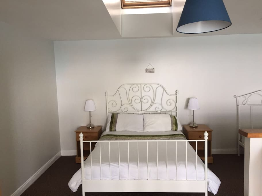 Mezzanine Bedroom with ocean views