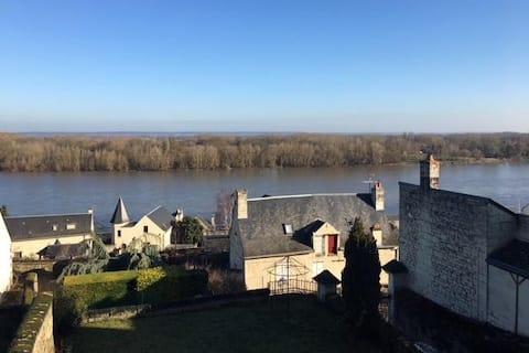 Domaine de Bellevue : maison surplombant la Loire