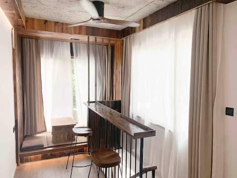 庐山风景区牯岭镇落地窗loft一室一厅大床房榻榻米景观房