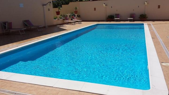 Casa Roja - Casa Vacanza con piscina