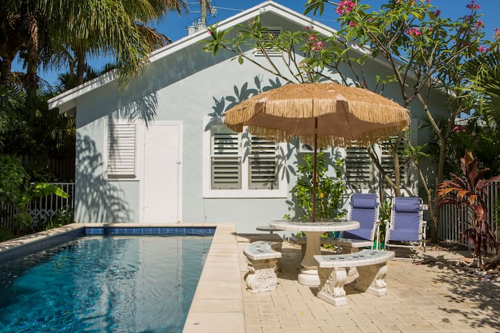 Tropical Beach Pool Guest House - Lake Worth - House
