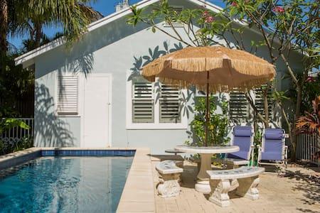 Tropical Beach Pool Guest House - Lake Worth