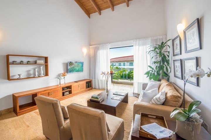 Two Bedroom Apartment in Luxury Beachfront Hotel