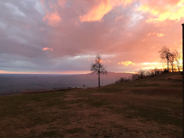 Million dollar view-White Oak Mountain near Tryon
