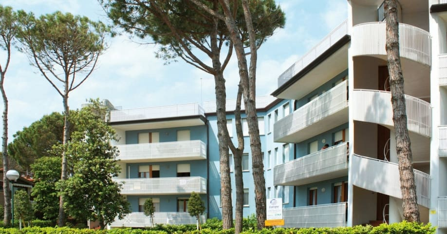 apt for 4+2 persons with a/c in Bibione R26418